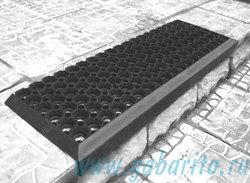 Проступь 800х260х50 мм, резиновая ячеистая, цвет Черный, Индия