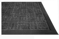 8 х 600 х 900 мм темно-серый ворсовый коврик на резиновой основе (Индия)